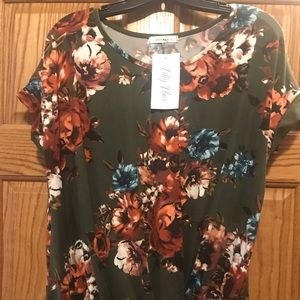 Olive floral knit top from Filly Flair size Medium